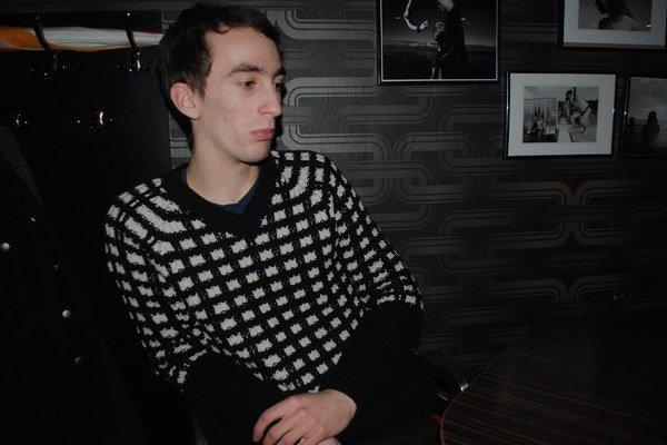 Juraj Staviarsky, basgitarista kapely Fúzy Múzy.