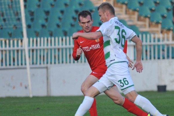 Dvojgólový. L. Hruškovi (vpravo) zápas proti juniorom Trnavy vyšiel.