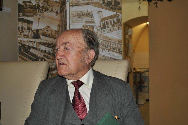 Jozef Čanda. Dožil sa 80 rokov, pripravil výstavu.