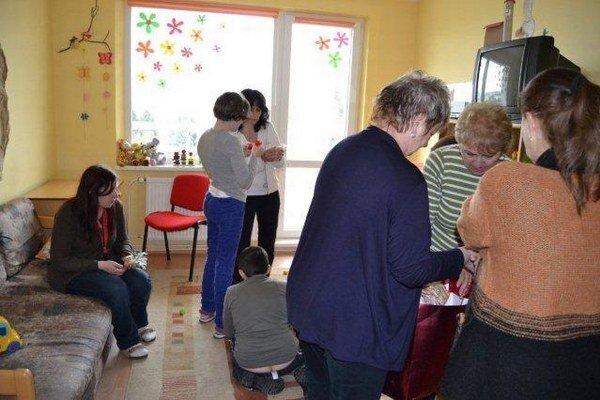 Stretnutie s deťmi. Zúčastnili sa ho podnikavé Prešovčanky.