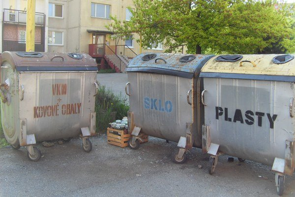Separovanie. Kontajnerov nie je v meste dosť, ich údržba stojí okolo 10-tisíc eur ročne.
