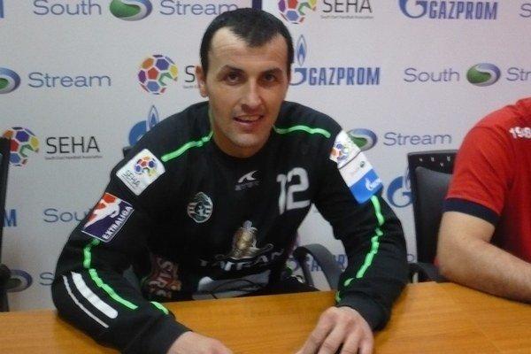 Svetislav Verkič. Oko mu poškodil prudký zásah loptou.