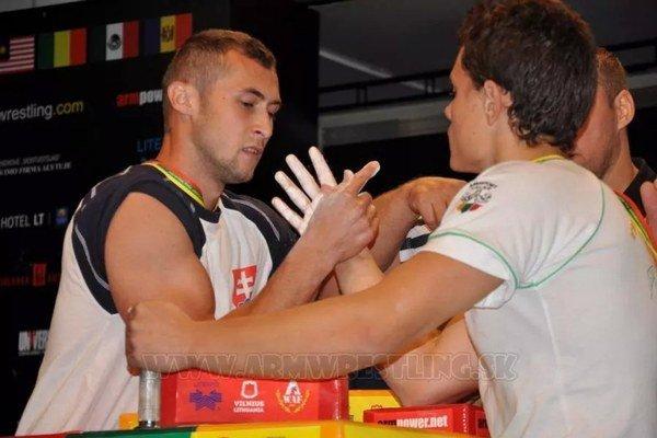 Šampión. Dominik Glod (vľavo) v akcii.