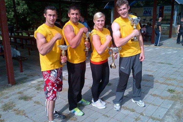 Úspešní. Zľava Dominik Glod, Miroslav Bednarčík, Veronika Očipová, Michal Girášek.