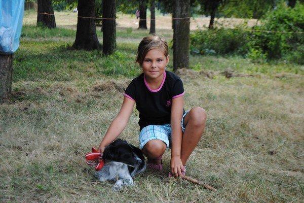 Dajana s Tinkou. Fenka z útulku vyhrala súťaž Dogstar.