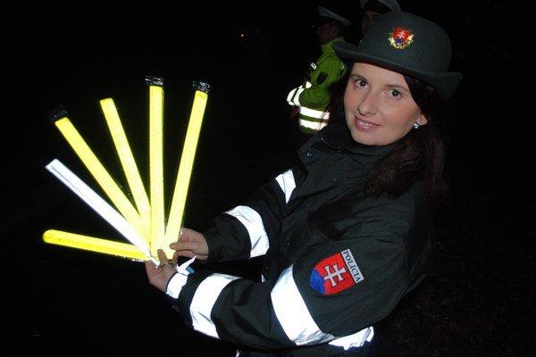 Jana Karnišová. Policajná preventistka s reflexnými pásikmi.