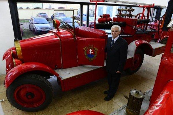 Na snímke historik Blahoslav Lazorík, zástupca riaditeľa Krajského múzea v Prešove.