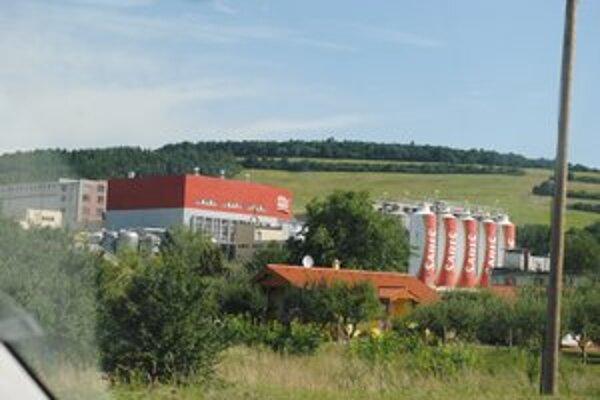 Spoločnosť Pivovary Topvar, a. s., OZ Pivovar Šariš. Je prevádzkovateľom čistiarne odpadových vôd vo Veľkom Šariši od roku 1993.