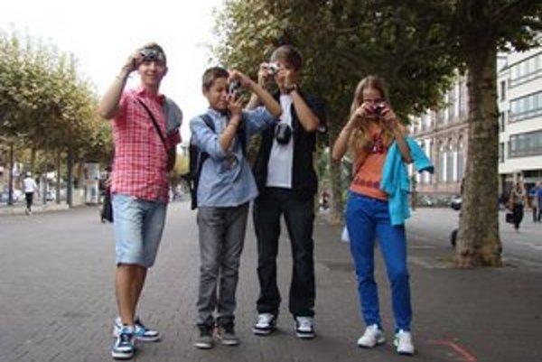 Mladí fotografi. Do Štrasburgu sa dostali vďaka fotografovaniu.