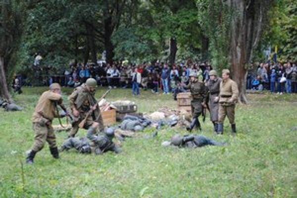Boje v Prešove. Zvádzali sa v parku na Ul. V. Clementisa.