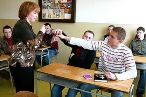 Študentov ubúda, župa chystá opatrenia.
