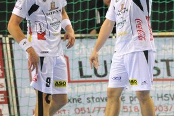 Dorastenec. Šimon Michniewicz (vpravo) si proti Modre zahral na Antlovom poste.