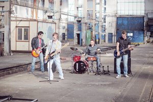 Integria. Krstili svoj prvý album.