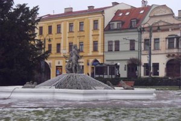 Neptún. Legendy o tejto fontáne zaujímajú  najmä turistov.