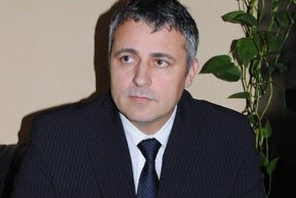 Náčelník Ján Andrejko hovorí, že disciplína vodičov sa zlepšila, osadili menej papúč.