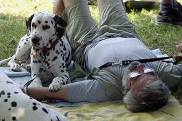 Pre nepočujúcich je pes často jediným spoločníkom.