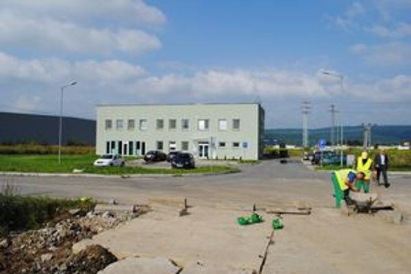 IPZ Prešov-Záborské. So stavbou závodu začala spoločnosť v auguste 2011.