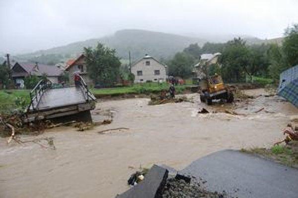 Záplavy zneužili na poisťovacie podvody.