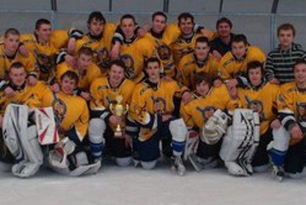 Bronzoví hokejisti. Výber mladých východniarov vytvoril dobrú hokejovú partiu.