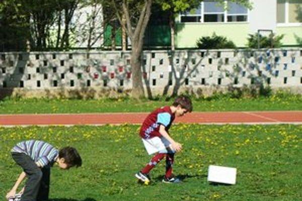 Maratón netradičných športových disciplín. Deti si nielen zašportovali, ale sa aj zabavili.