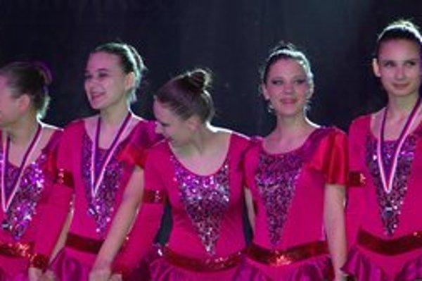 Ebony. Prešovské tanečnice uspeli na Showtime.