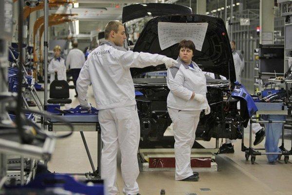 Závod Volkswagenu v ruskej Kaluge vyrába aj autá značky Škoda.