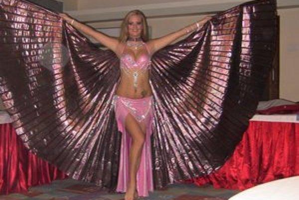 Lucia Artimová. Päť mesiacov tancovala brušné tance v Indii.