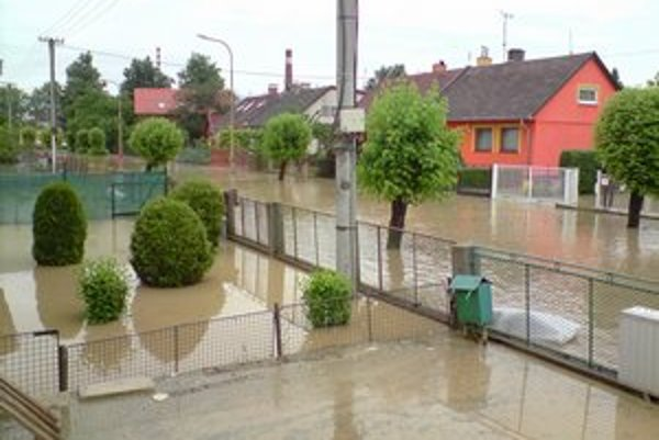 Počas záplav. Takto vyzerala Maybaumova v júni 2010.