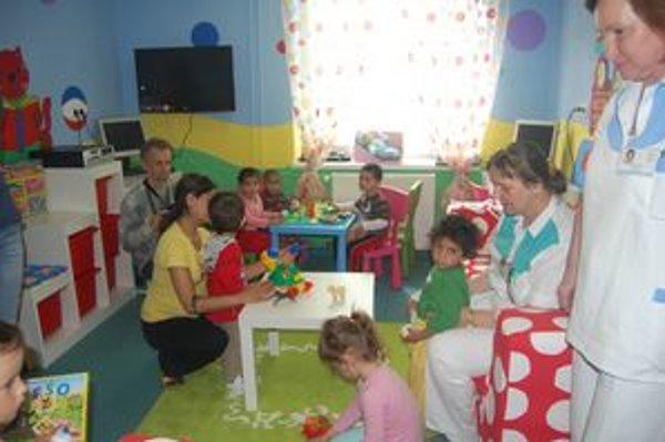 Detský kútik. Deťom sa farebnosť a hračky veľmi páčia.