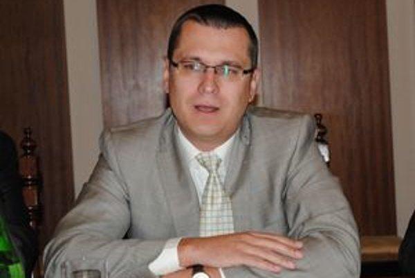 Prednosta Jozef Višňovský tvrdí, že zlyhal ľudský faktor.
