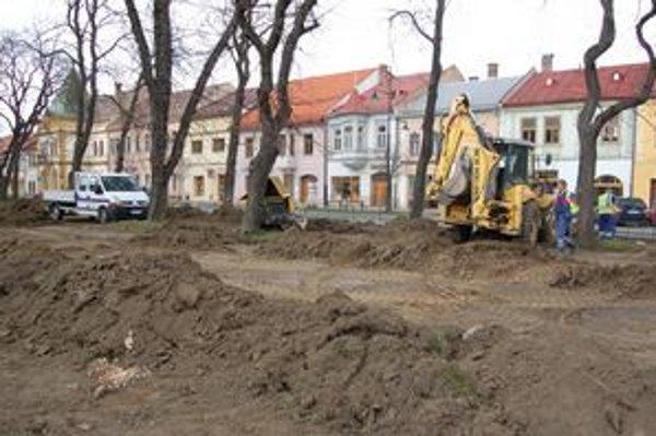 Stavebné práce. Centrum v Sabinove by malo byť obnovené do roka.