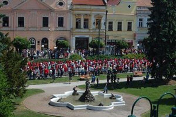 Štvorylka v Prešove. Tancovalo ju 4 052 účastníkov.