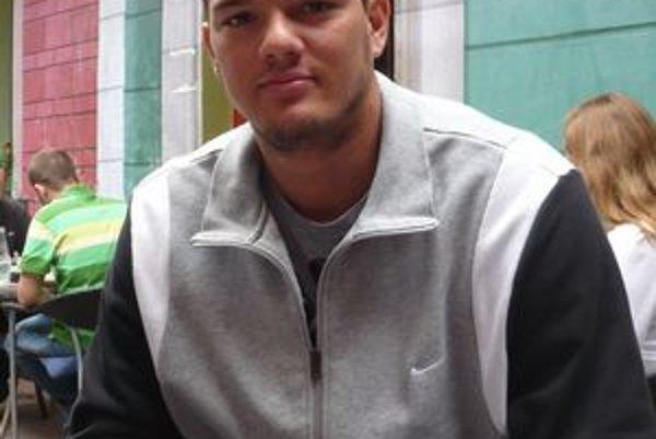 Talent zo Splitu. G. Bogunovič pred prvým tréningom zašiel na kávičku.