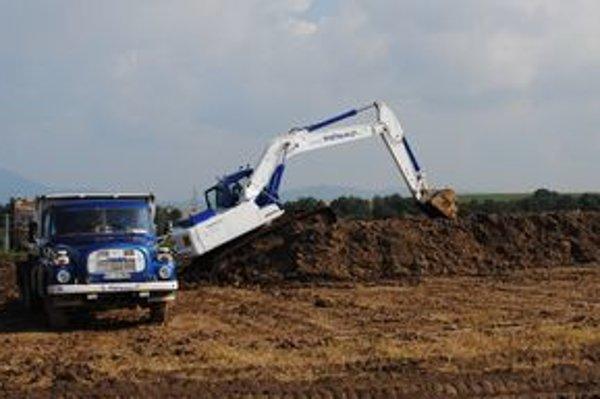 Na mieste budúcej fabriky Honeywell sa začali stavebné práce.