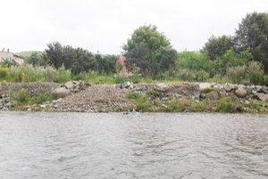 Starosta obce sa bojí, že Torysa sa kvôli nespevnenému brehu môže počas intenzívnych búrok vyliať.