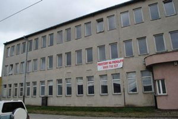 Budova na Jilemnického. Patrila poisťovni, získal ju  Transtech.