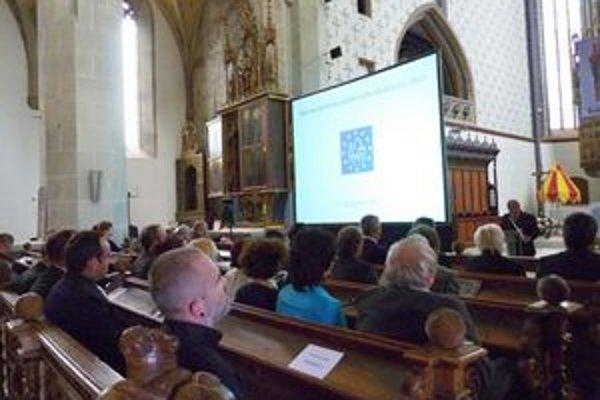 Otvorenie Dní európskeho kultúrneho dedičstva 2011 v bardejovskej Bazilike sv. EgídiaPodujatie sprevádzalo odovzdávanie výročných cien za ochranu kultúrneho dedičstva.