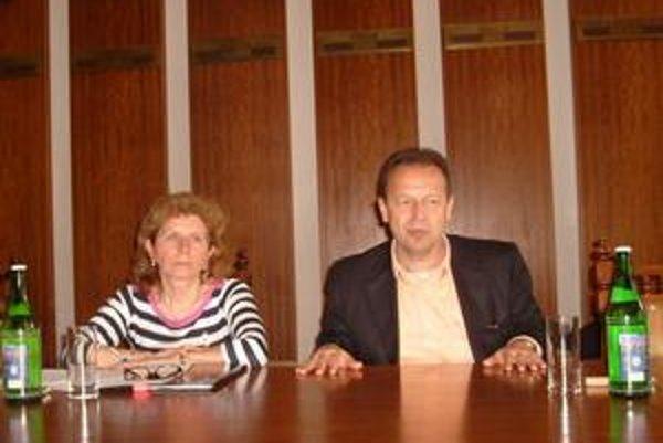 P. Hagyari a M. Nováková. Mesto je v dobrej finančnej kondícii, tvrdia.