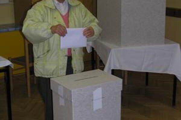 Voľby. S voličským preukazom možno voliť kdekoľvek.