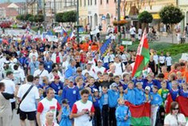 K Fragaria Cupu patrí neodmysliteľne úvodné defilé tímov v centre mesta.