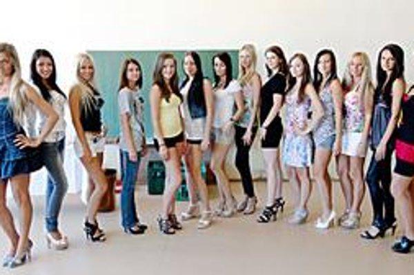 Finalistky. Miss Tuning 2010 vo Svidníku. Muži si prídu v sobotu na svoje.