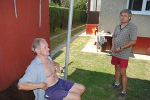Nespokojní Jozef Halagarda (vľavo) a P. Svocák nechápu rozhodnutie poslancov.