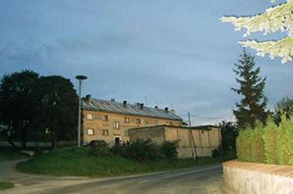 Bytovky na Bardejovskej ulici. Boli postavené pred štyridsiatimi rokmi.