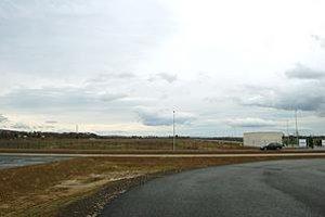 Prázdny priemyselný park. Postavili ho v lokalite Ferovo, investori sa doň nehrnú.