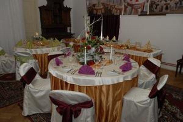 Stáva sa aj to, že svadobný stôl ostane prázdny...