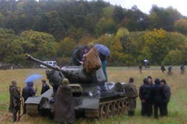 Rekonštrukcia bojov. Pred dvoma rokmi dorazil aj tank T-34.