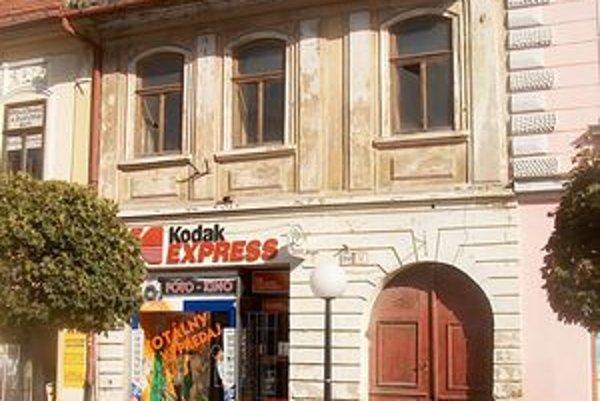 Čaká ju lepší osud? Národná kultúrna pamiatka na Hlavnej ulici č. 12 v Prešove prechádza do súkromného vlastníctva.