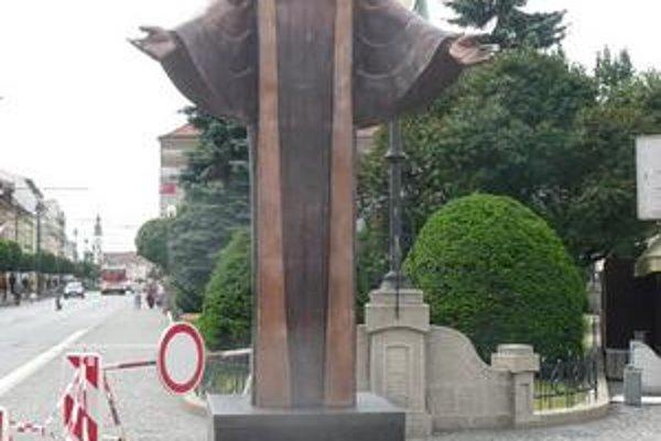Prešovský Ježiš Kristus. Jeho zmenšená podoba je umiestnená v centre mesta.