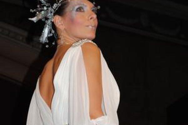 Jana Hagyari sa prvý raz prezentovala ako modelka na kaderníckej šou.
