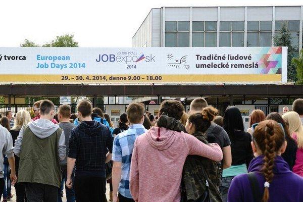Na veľtrhu JobExpo ponúkali domáce a zahraničné firmy vyše 10-tisíc miest.